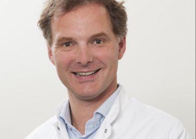 Dr. Joris van der Lugt